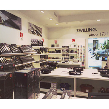 zwilling store la roca village construction management